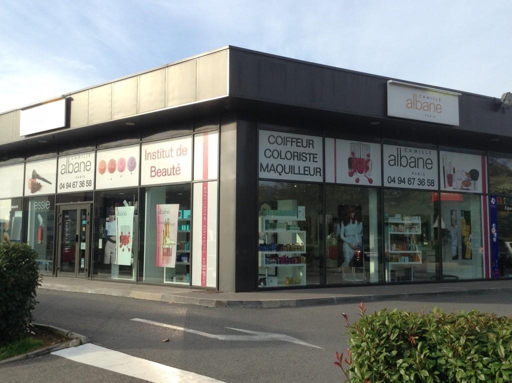 Coiffeur callian salon camille albane for Salon de coiffure camille albane