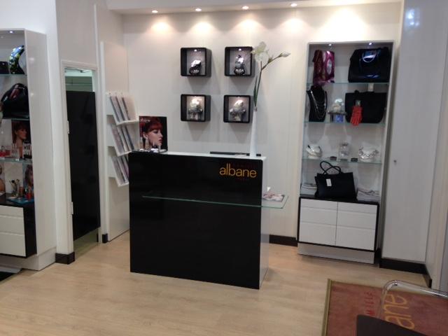 coiffeur la rochelle salon camille albane. Black Bedroom Furniture Sets. Home Design Ideas