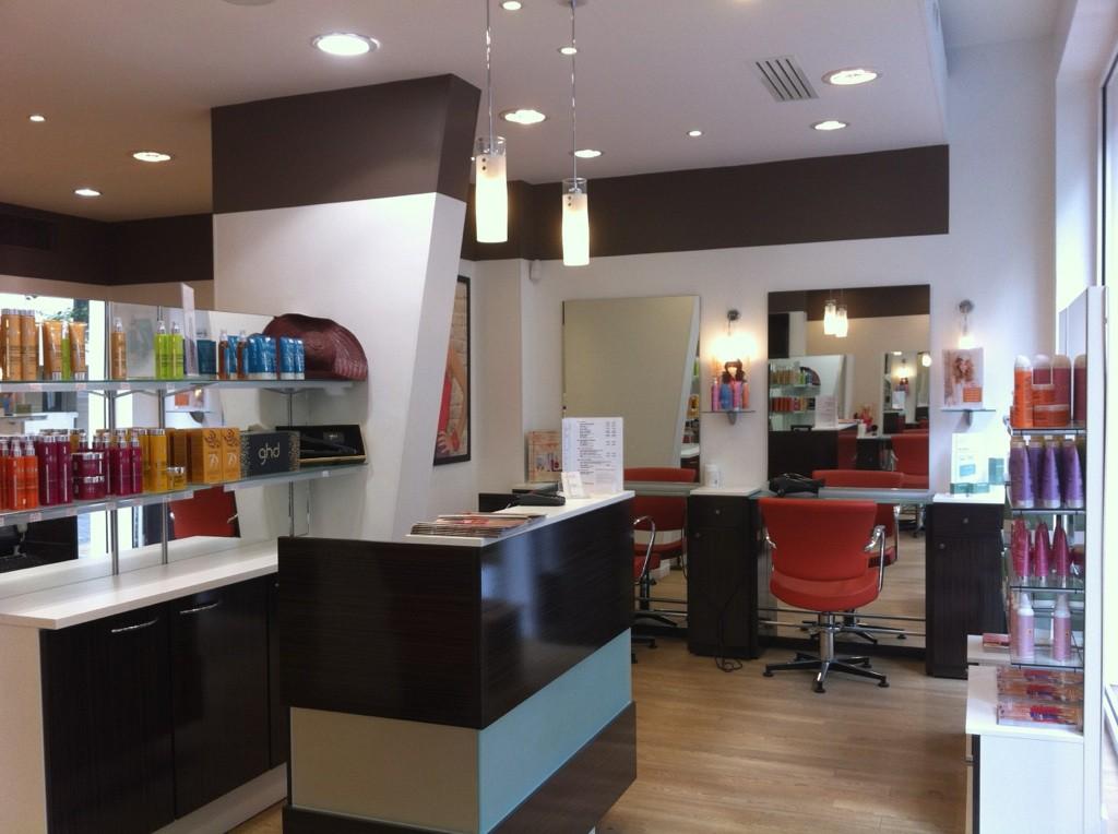 Coiffeur levallois salon camille albane for Salon de coiffure levallois