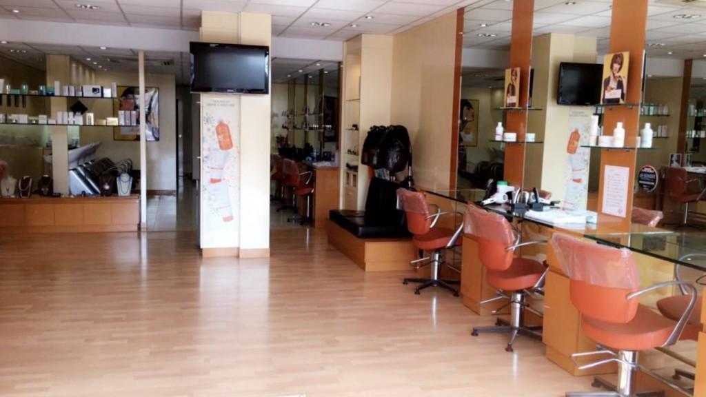 Coiffeur mandelieu la napoule salon camille albane for Salon de coiffure camille albane