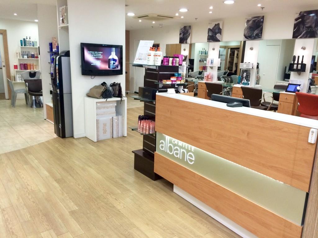 Coiffeur paris la d fense salon camille albane for Salon de coiffure camille albane