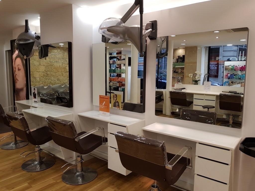 Coiffeur paris 8 miromesnil salon camille albane for Salon de coiffure camille albane