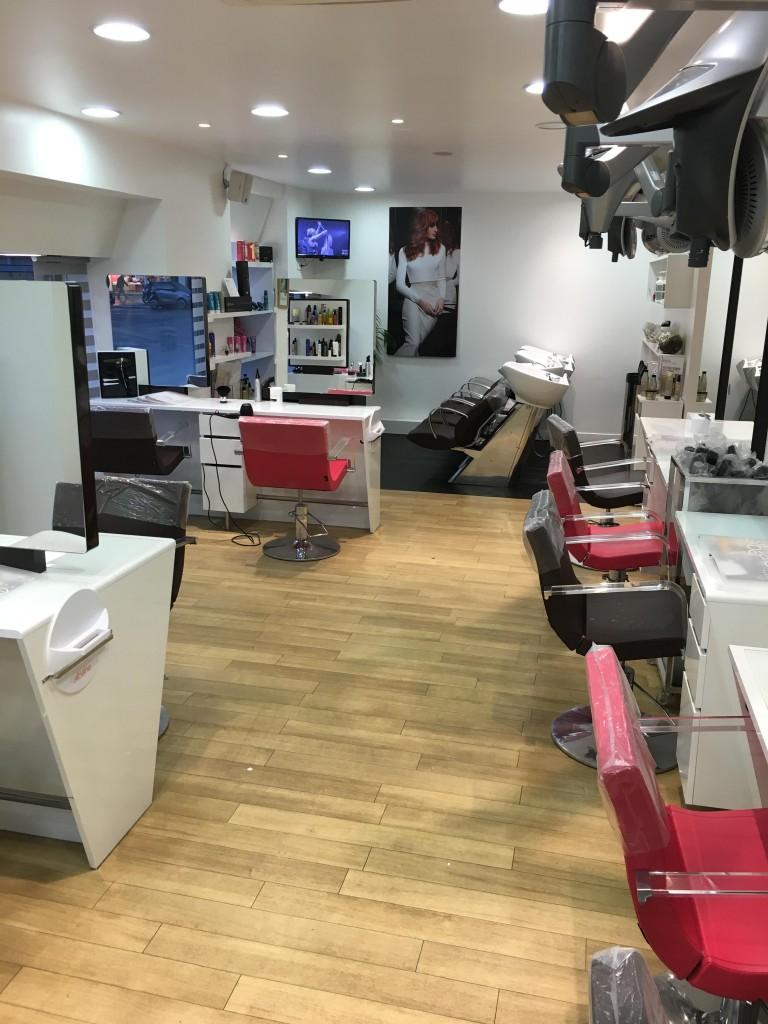 Salon de coiffure paris nation coiffures modernes et for Salon christine coiffure