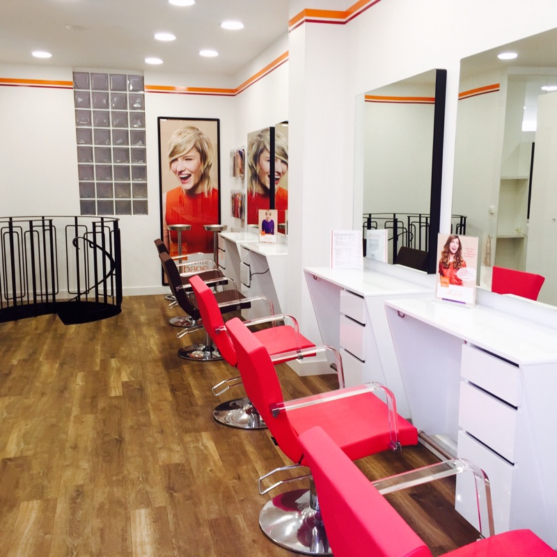 Coiffeur rennes camille albane rennes st germain for Salon coiffure rennes