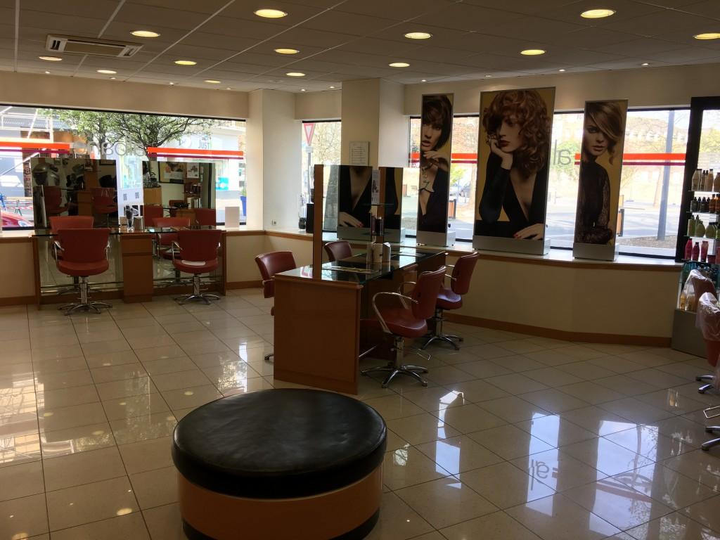 Coiffeur valenciennes salon camille albane - Salon de coiffure valenciennes ...