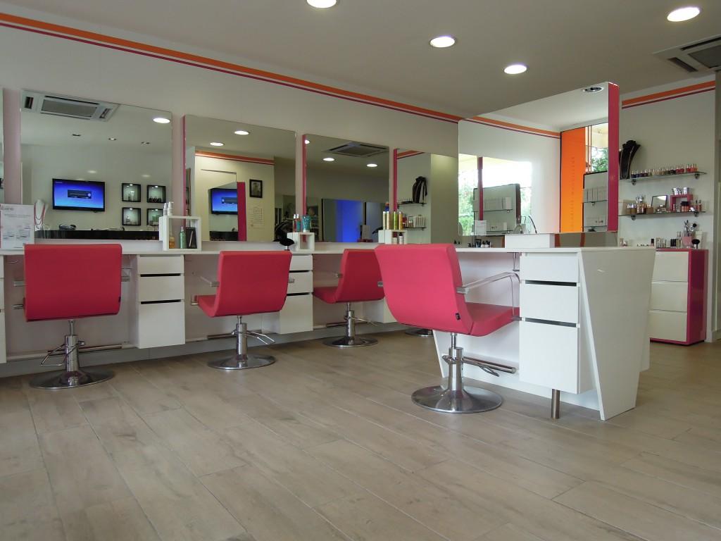 Coiffeur vence salon camille albane for Salon de coiffure camille albane