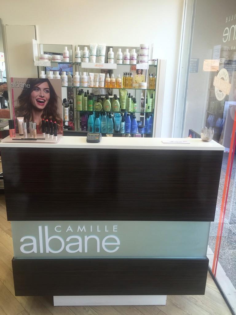 Accueil du salon de coiffure Camille Albane Villepinte